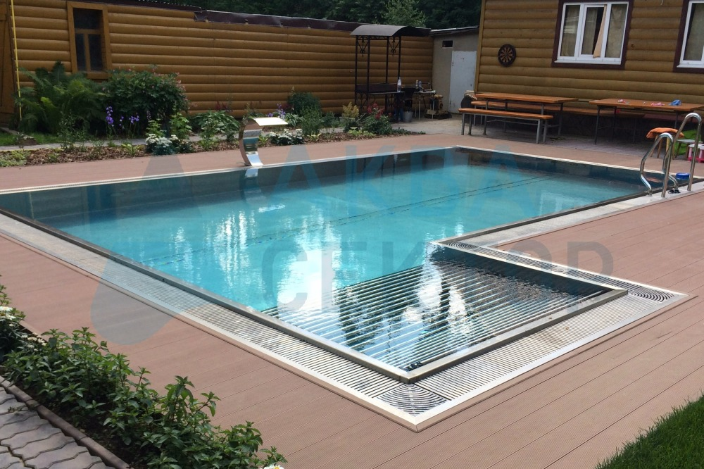 Private pools of stainless steel construction for Overflow pool design